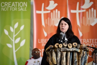 Rev. Dr Elena Bondarenko from the Evangelical Lutheran Church in European Russia, preaching at the opening worship of the Lutheran World Federation's Twelfth Assembly on 10 May 2017, Windhoek, Namibia. Photo: LWF/Albin Hillert